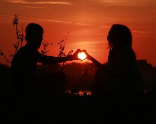 couple-915987_640